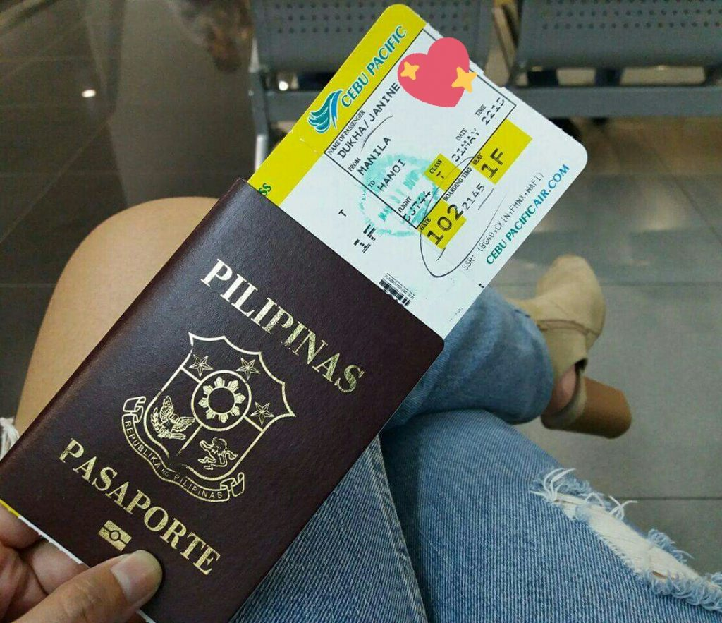 Boarding pass at the ready | © myTEFL