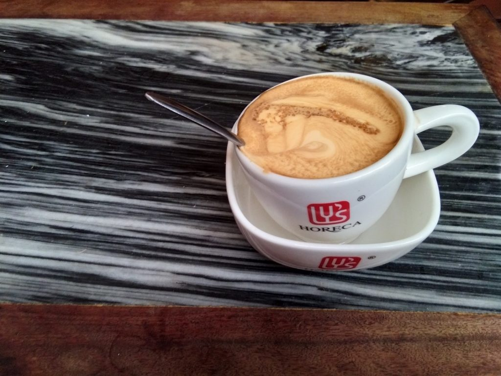 Frothy egg coffee mmmm | © Janine Dhuka/MyTEFL